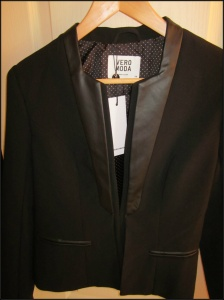 Black tuxedo blazer with leather trim from Vero Moda