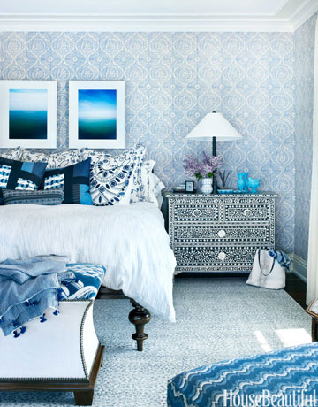 I would never leave my bedroom.Source: http://www.housebeautiful.com/room-decorating/bedrooms/g648/beautiful-designer-bedrooms/?slide=10